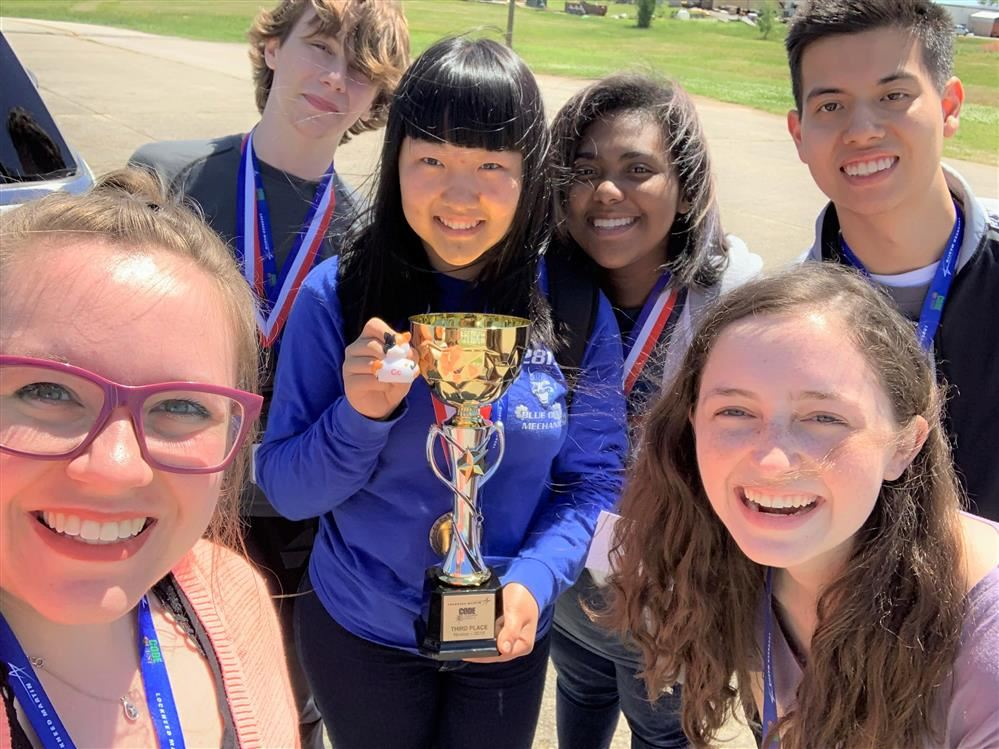 AP Computer Science Students Compete at Code Quest
